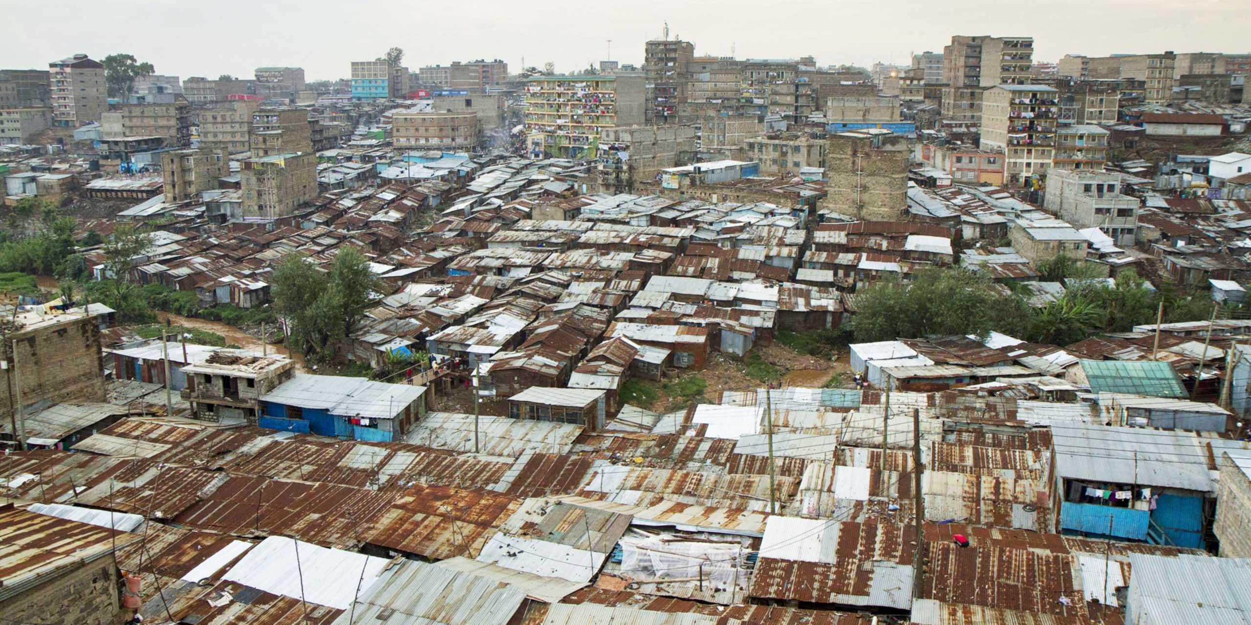 http://skollworldforumorg.c.presscdn.com/wp-content/uploads/2015/01/slum-dwellers-international-sl1.jpg
